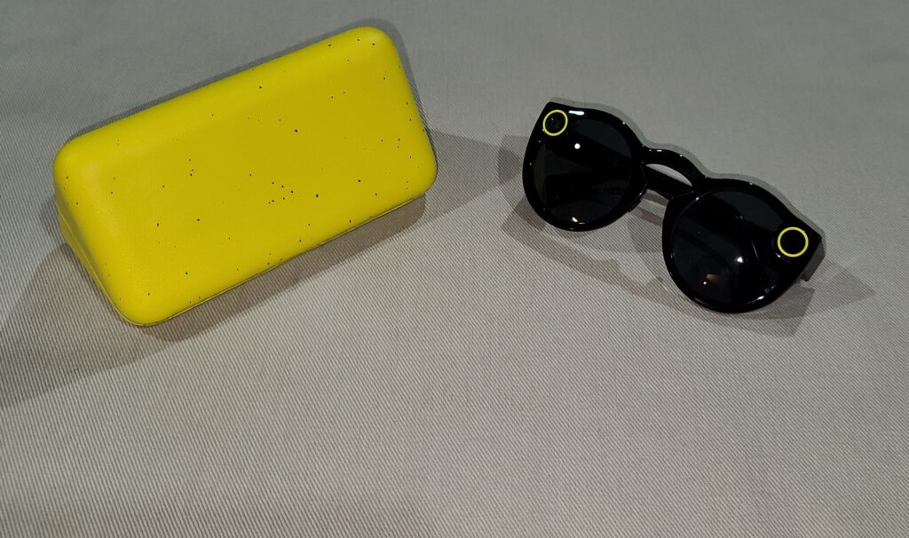 Picture of Snapchat Spectacles and Charging Case