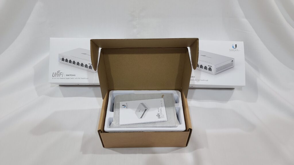 Unboxing a Ubiquiti UniFi US-8 Switch