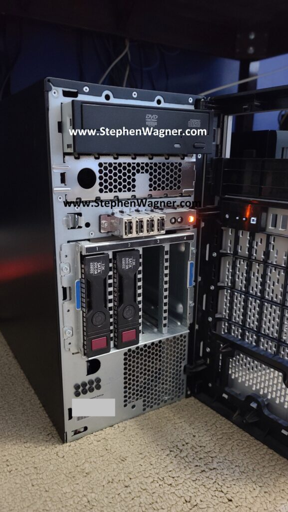 Front view of HPE ML310e Gen8 v2 with Hotswap Drive bays